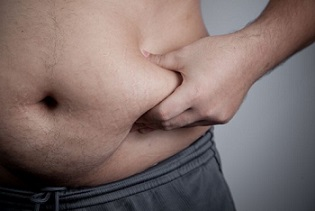 Le regime citron detox limite la prise de graisse abdominale